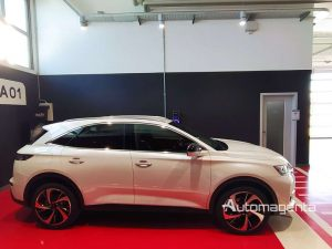 DS-7-CROSSBACK-2_0-Diesel-180cv-EAT8-GRAND-CHIC-OPERA-KM-ZERO-Perla-40500-14